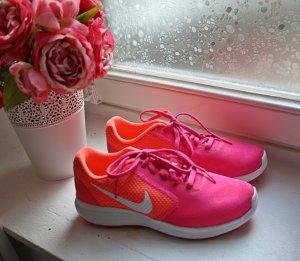 Nike Revolution 3 Sneaker NEU