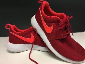 Nike Rosh run rot Größe 36