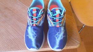 Nike Rosh Sneaker, fast neu