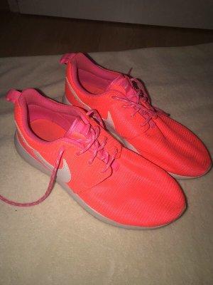 Nike Roshe Gr. 39