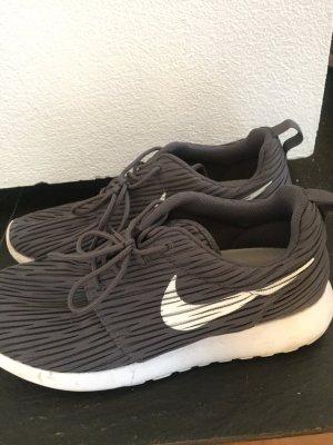 Nike Roshe Grau Weiß