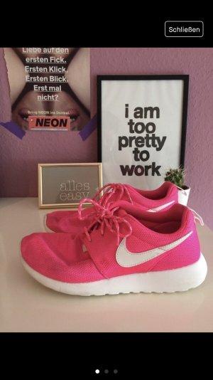 Nike Roshe in knallpink