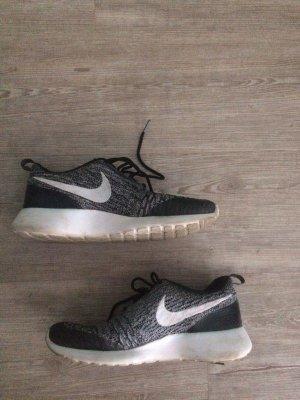 Nike Roshe One Flyknit, Gr 39