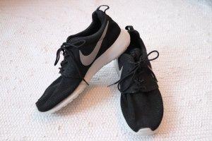 Nike Roshe One Gr. 43