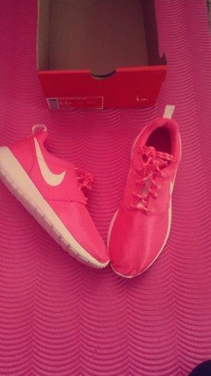 Nike Roshe One GS    j
