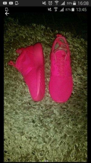 Nike Roshe One Hyp..