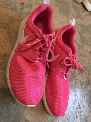 Nike Roshe one in pink