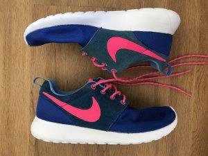 Nike Roshe One Mesh blau pink
