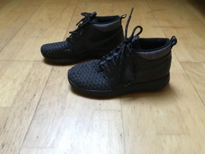 Nike Roshe one mid
