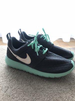 Nike Basket à lacet gris-turquoise