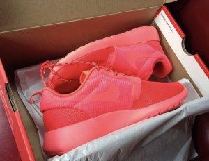 Nike Roshe Run 37 rot/Pink