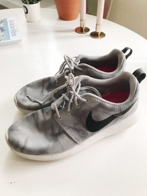 Nike roshe run 40 grau