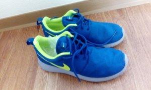 Nike Roshe Run Blau Sneaker 38