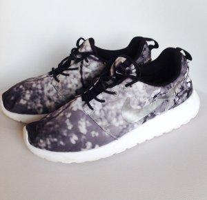 Nike Roshe Run Cherry Blossom Limited Edition Sneaker Turnschuhe Air Max Thea 39 38 38,5