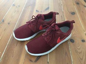 Nike Roshe Run Gr. 39