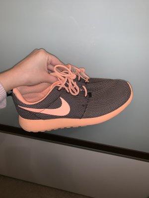Nike roshe run Größe 39