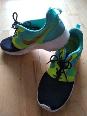 Nike Roshe Run Grün/Schwarz Größe 40
