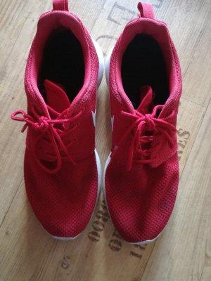 Nike Sneakers rood