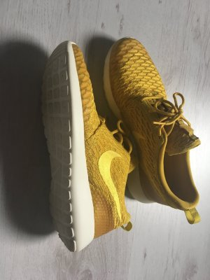 Nike Roshe Run in Senfgelb