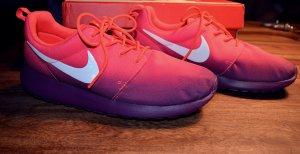 Nike Roshe Run Pink Lila NEU!