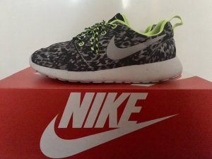 Nike Roshe Run Print Grau Neon Grün
