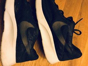 Nike Roshe Run Sneaker 38,5