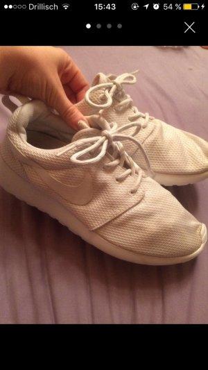 Nike Roshe Run Weiß 38,5