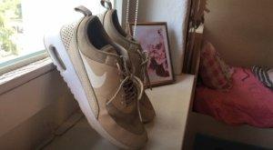 Nike Roshe Run weiß beige