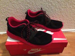 Nike Roshe Runs pink/schwarz