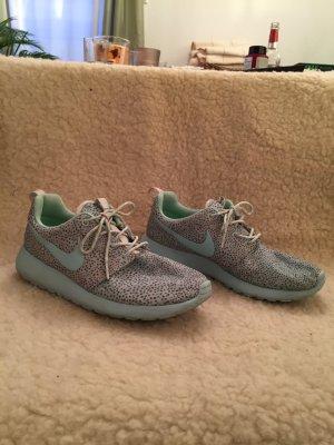 NIKE_Roshe_Sneaker_mint