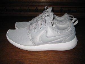 Nike Roshe Two wolf grey - white / 844931-001 Gr. 39