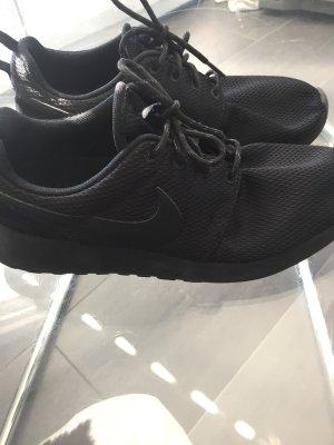 Nike Roshe  US 8 / EUR 39 Schwarz