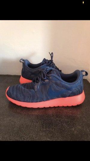 Nike rosherun blau coralle orange neu Gr. 39