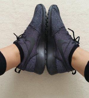 Nike Rosherun schwarz/grau