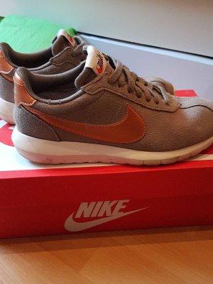 Nike Roshrun rosegold