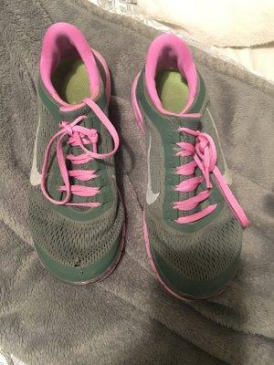 Nike rosshe run