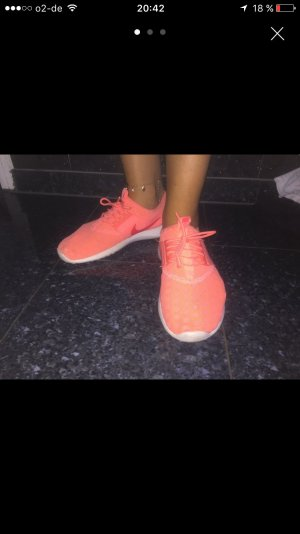 Nike Running Neon Apricot
