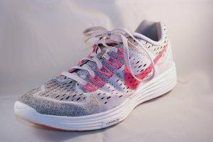 Nike Running Schuhe Gr. 40,5; LunarTempo