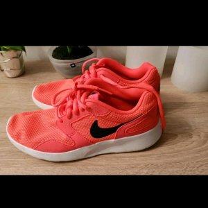 Nike Rush Sneaker pink