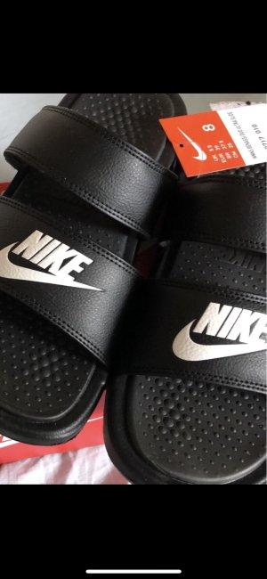 Nike Sandale d'extérieur blanc-noir