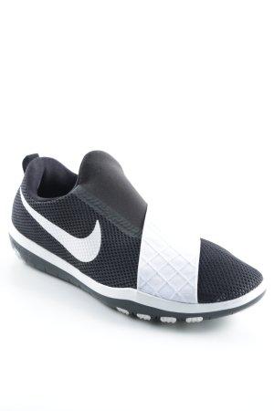 Nike Basket slip-on noir-blanc style athlétique
