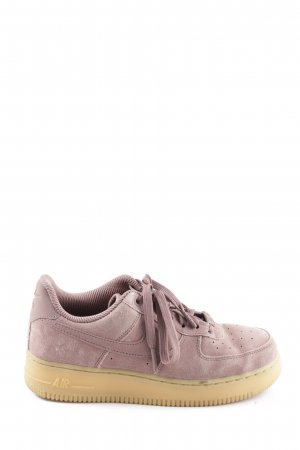 Nike Lace-Up Sneaker pink casual look