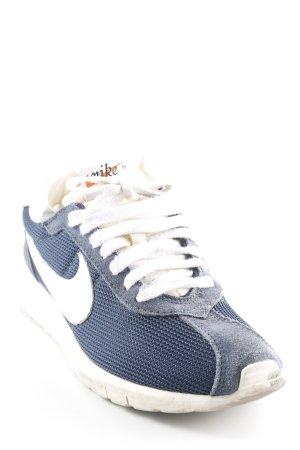 Nike Basket à lacet bleu foncé style décontracté