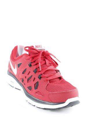 Nike Sneaker stringata rosso scuro stile atletico