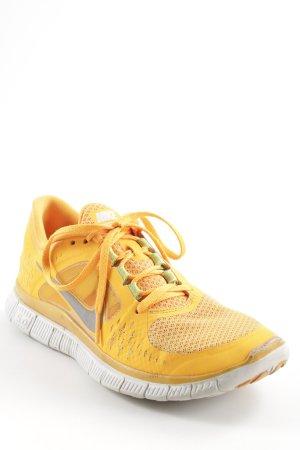 Nike Schnürsneaker hellorange sportlicher Stil