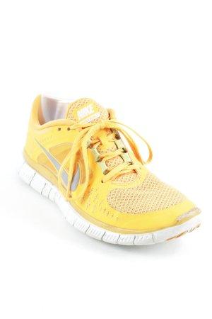 Nike Sneakers met veters licht Oranje atletische stijl