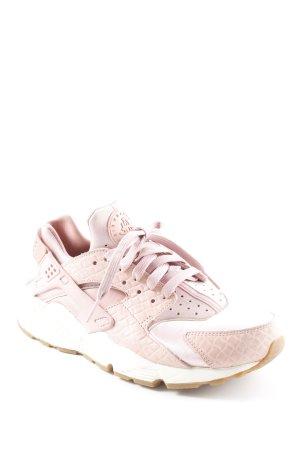 Nike Schnürsneaker hellrosa-rosa Street-Fashion-Look
