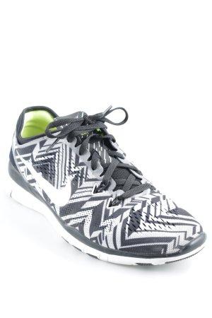 Nike Basket à lacet motif d'art style athlétique