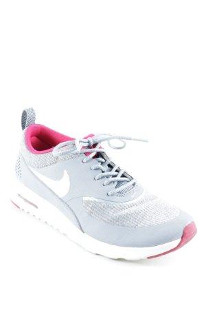 Nike Basket à lacet multicolore style athlétique