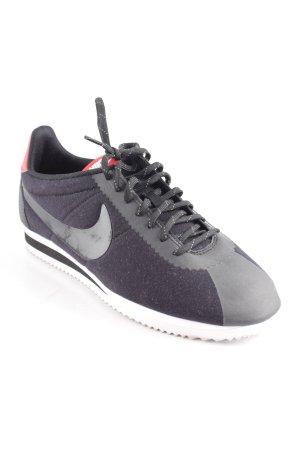 Nike Schnürsneaker schwarz-rot sportlicher Stil